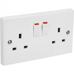 13A Twin 2G Switched Socket White